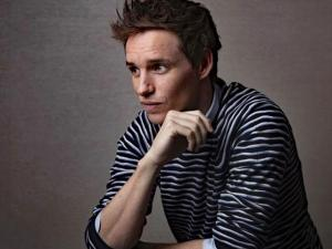 Straight Actor Eddie Redmayne to Play 'Traditionally Queer' Emcee in 'Cabaret' Revival